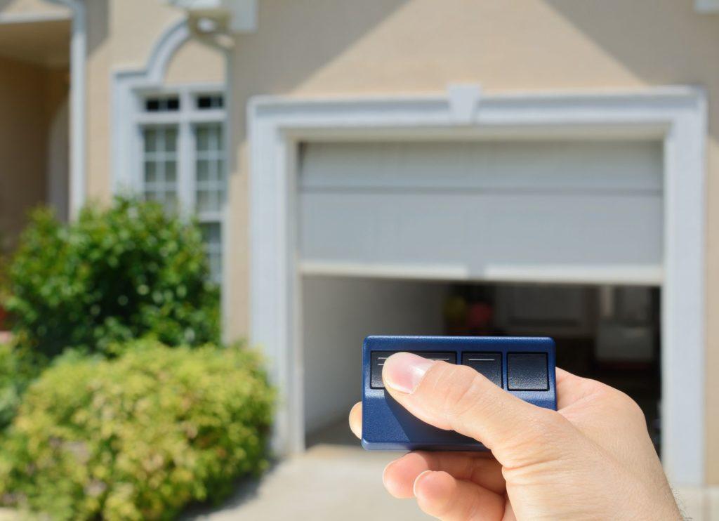 5 Benefits to Be Gained From Garage Door Openers
